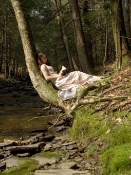 Girl-Reading-in-a-Forest-books-to-read-3033292-449-604